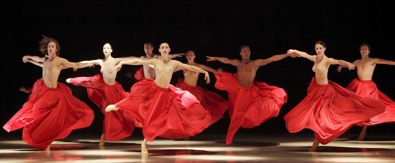 Танцовщица в чешках 5 фотография